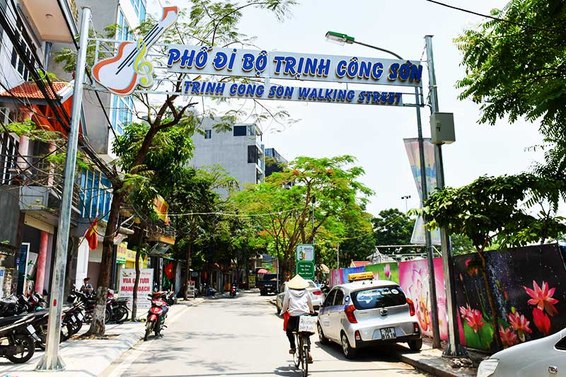 Vietnam Private Tours in Trinh Cong Son street